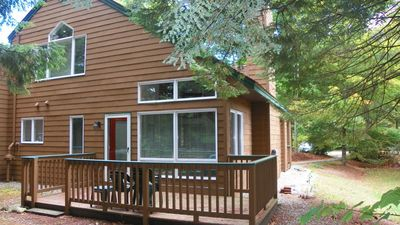 Great Location near Loon and access to Recreation Center with Indoor Pool and Sandy Beach on Pond