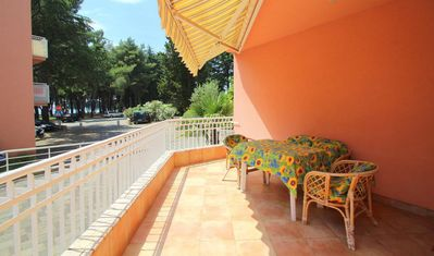 Photo for Apartment Matteo, 2 Bedrooms, for up to 4 persons, 80m to the beach!