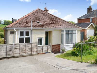 Photo for 2 bedroom accommodation in Carisbrooke, near Newport