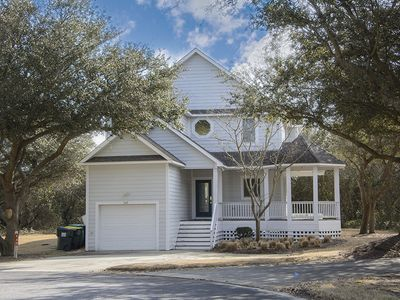 Photo for The White Sail: 3 BR / 3 BA house in Corolla, Sleeps 7