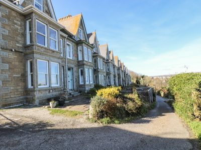 Photo for SEA SHIMMER, with a garden in Newlyn, Ref 959210