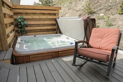 Private hot tub or cool pool on your back deck! This requires a maintenance fee.