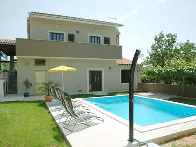 Photo for Holiday apartment Pula for 1 - 4 persons with 1 bedroom - Holiday apartment