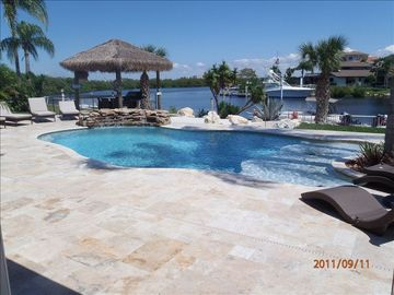 Wow Beautiful 3bedroom,3 Bath Water Front Home