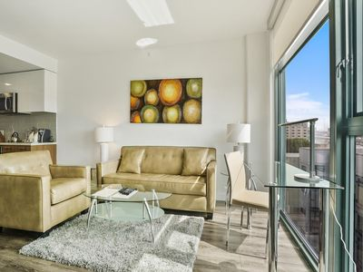 Photo for Modern 1BR | Work Space & WiFi | SOMA