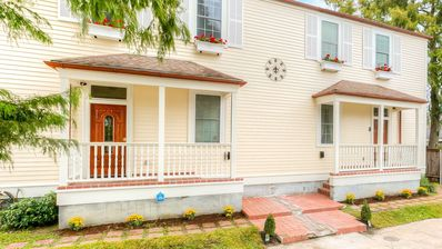 Photo for 3 Bed 2.5 Bath Big Easy Style