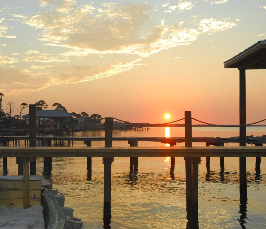 Gulf Shores Beach House Rentals By Owner: Close To Beach, But Away From Bustle Of