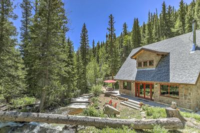 Disappear to the mountains in this charming Dumont vacation rental cottage!