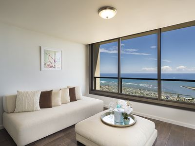 Photo for Luxurious 3 Bed / 3 Bath at Yacht Harbor Tower