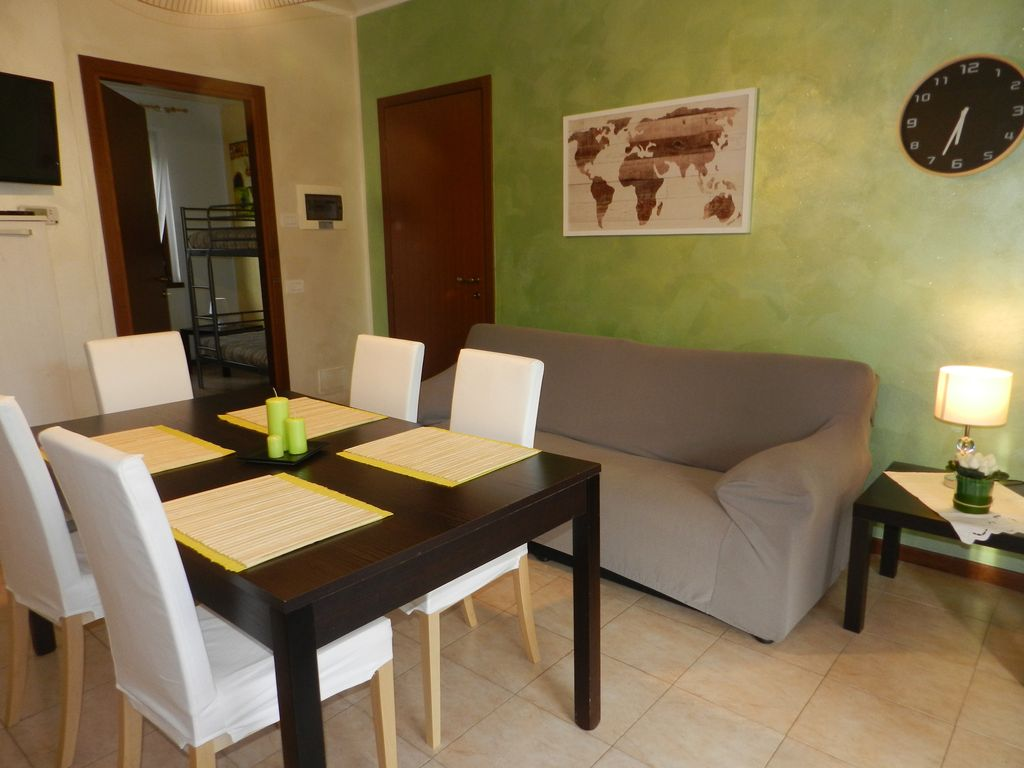 RENEWED THREE ROOMS APARTMENT WITH COVERED TERRACE, GARDEN, AIRCO ...