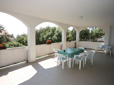 Photo for Apartment in Mandre (Pag), capacity 6+0