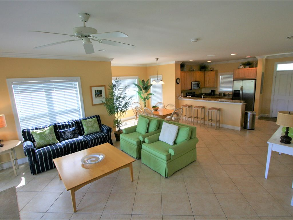 Coral Lagoon Tropical Seahorse Nightly And Weekly Rental