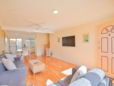 Photo for Central Townhouse with spacious lounge