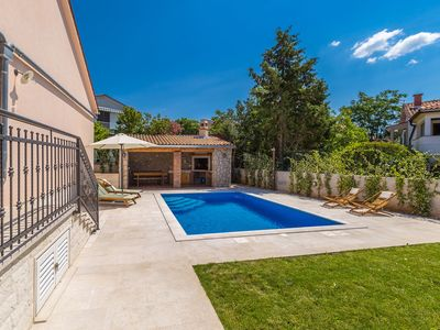 Photo for Lovely and comfortable holiday home in Pinezici, Island Krk, Croatia  with private pool for 6 persons