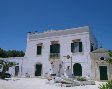 Photo for Authentic & elegant entire masseria with pool between Ostuni and the sea.