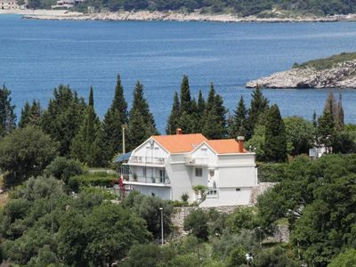 Photo for Studio flat with balcony and sea view Plat, Dubrovnik (AS-2136-a)