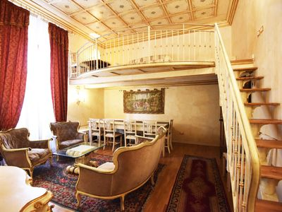 Photo for Spacious Medici Suite IV apartment in Duomo with WiFi, air conditioning, shared terrace, shared gar…