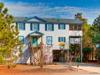 Photo for 6 bedroom beauty in Whalehead