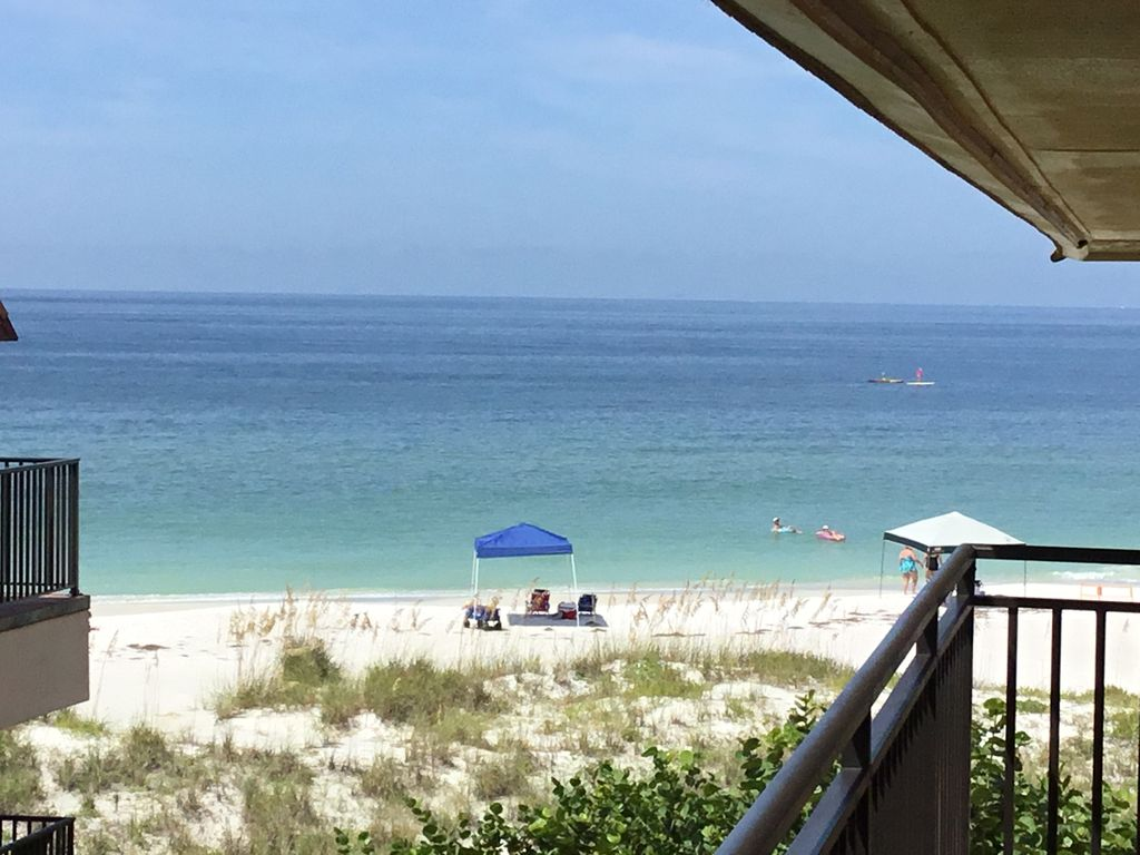 Anna Maria Island Beautiful Gulf Front Complex With Gulf Views Beach Front Playa