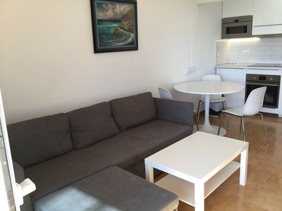 Photo for Two Bedroom Holiday Apartment with wifi - Great for Cycling!