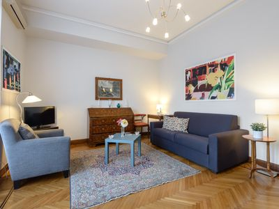 Photo for CHARMING APARTMENT NEAR SPANISH STEPS WITH LIFT - WIFI -AIR COND. !!