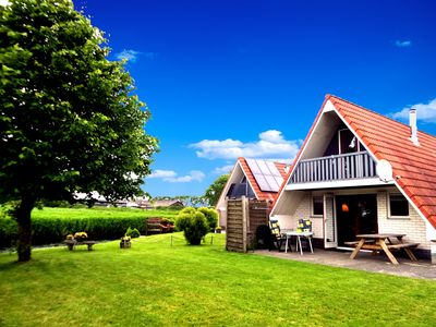 Photo for 6 pers. holiday home with a large garden close to the Lauwersmeer