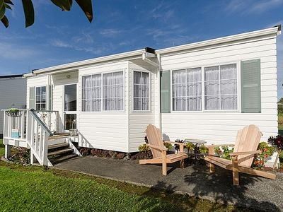 Photo for Sandy Toes Cottage - Paihia Cottage