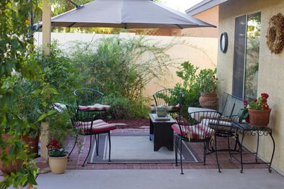 Uncovered patio - stargazing & portable fire pit area for those cool nights.