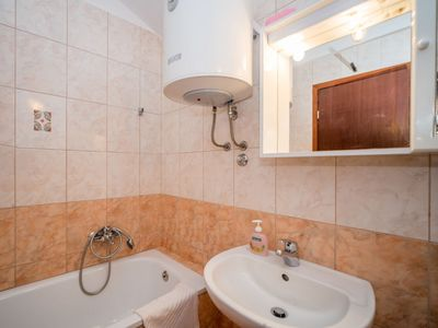 Photo for Apartment in the center of Jadranovo with Parking, Internet, Washing machine, Air conditioning (121417)