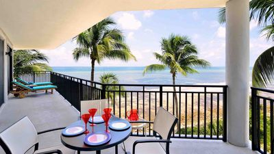 Photo for << WINDSWEPT PALMS @ THE BEACH >> Oceanfront / Pool & Jacuzzi + LAST KEY SERVICE...