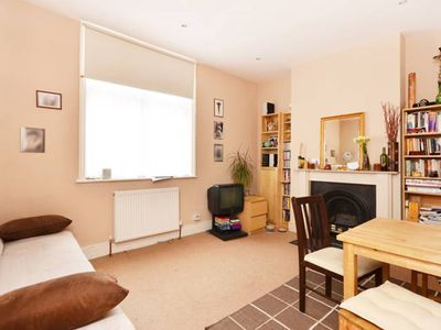 Photo for 1 Bed Flat Set In A Beautiful Mansion Block In Westminster