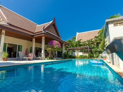 Corton - 2 bedroom villa with private pool near commerce residential area