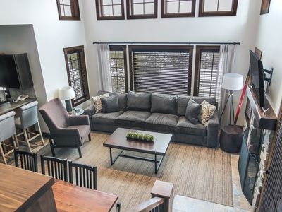 Completely New 4BR Luxurious Creekside Condo With Private Hot Tub