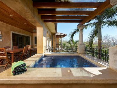 Photo for Luxury penthouse steps from Langosta Beach.