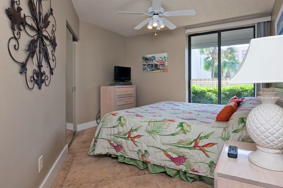 Windward Pointe #106: 3 BR / 2 BA condo in Orange Beach, Sleeps 8