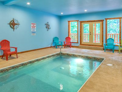 Photo for Sherwood Splash Lodge, 11 Bedrooms, Sleeps 52, Theater, Indoor Pool, Free WiFi