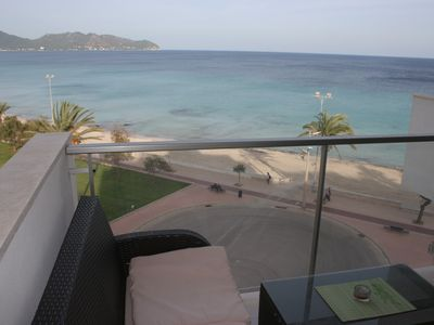 Photo for Apartment in CALA MILLOR, directly on the beach, with 2 bedrooms, WIFI Free, 5 ETAGE.