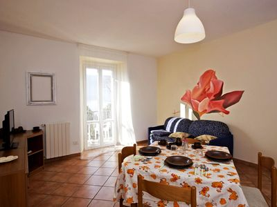 Photo for Tastefully furnished 2-room apartment with sea garden and beach