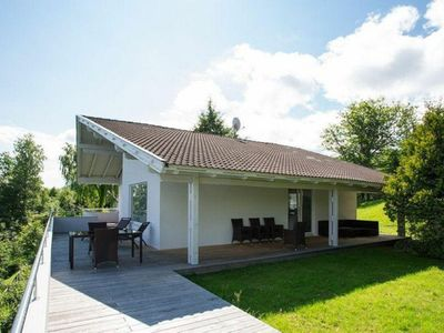 Photo for Beautiful villa by the Wörthersee near Velden with private beach
