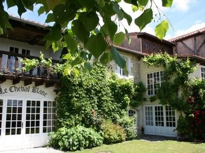 Photo for Family friendly, very comfortable house with private pool. Dordogne