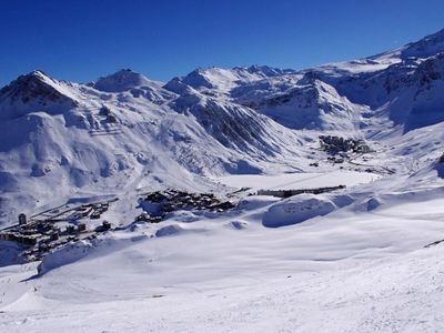 Photo for 150m from resort center, 2nd floor, balcony, tv, ski locker, 80m², Tignes
