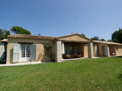 Photo for Provencal farmhouse of character and on one level in a dominant position