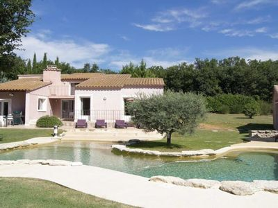 Photo for 4 bedroom Villa, sleeps 8 in Saignon with Pool, Air Con and WiFi