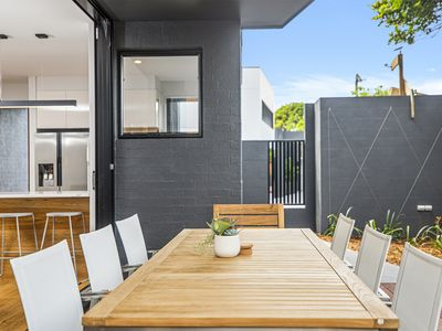 Suite 1 - Brand new Townhouse in central Sawtell