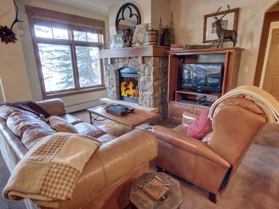 Photo for Updated Ski-in/out Lone Eagle 3000, King Bed, Slope Views, Christmas Available