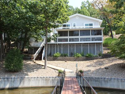 Photo for MODERN & COMFORTABLE, RENOVATED LAKEFRONT HOME - SLEEPS 10 - PEACEFUL COVE