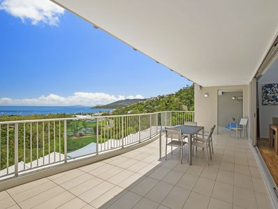 Photo for Azure Sea Resort  Penthouse 3brm