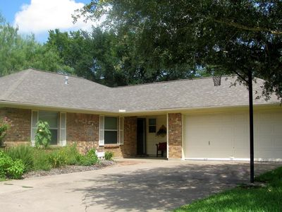 Photo for Hub of AggieLand! 1 Mile From Campus. Central Location South of TAMU.