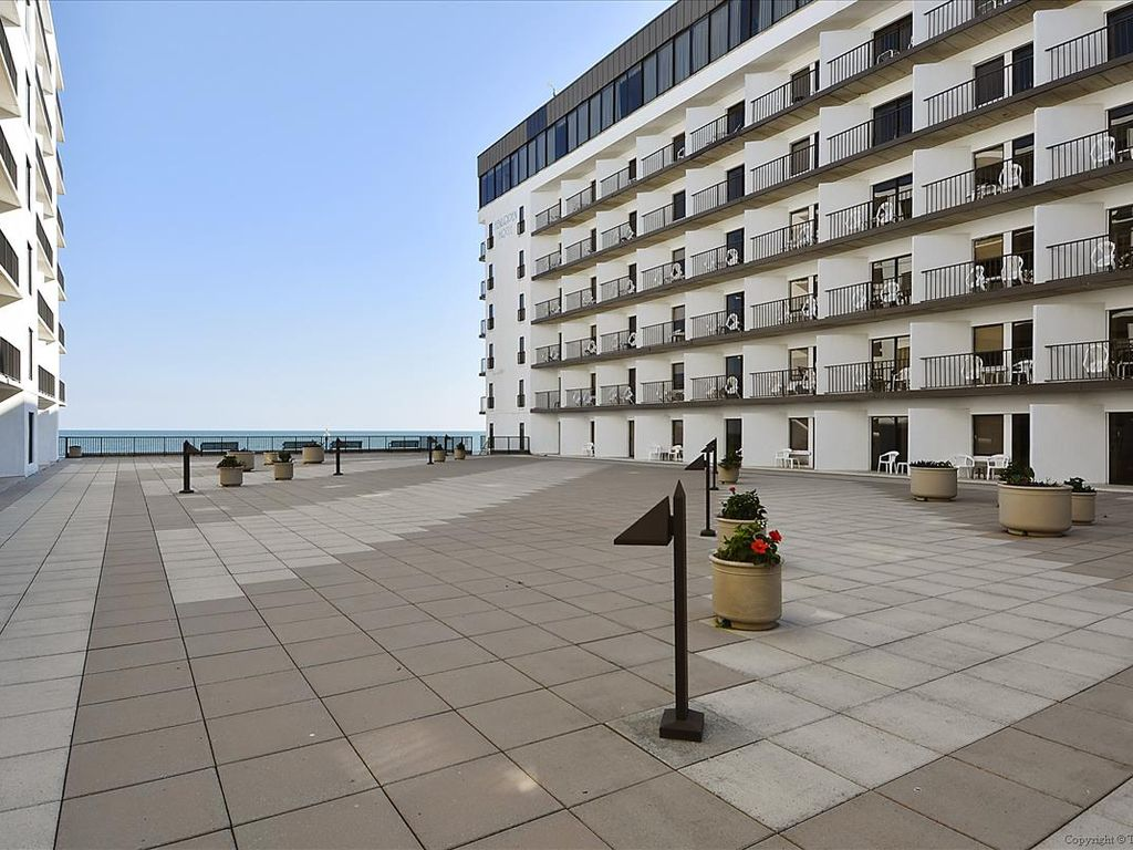 Horizon views of the ocean from all rooms, Rehoboth Beach ...