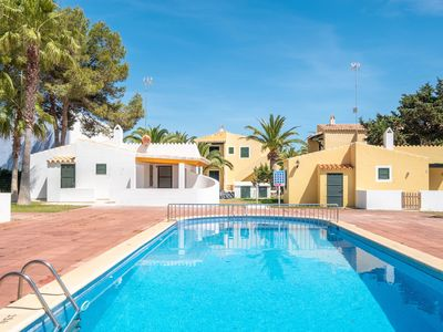 Photo for Cosy Cottage with Pool, Terrace and Television